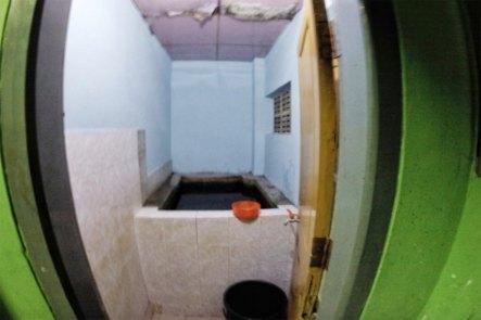 Bucket Shower - Kyaukmae