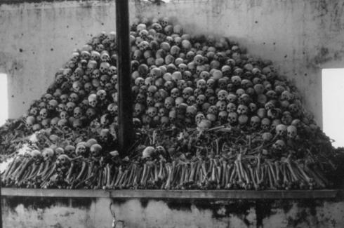 skulls-at-sang-prison-dc-cam-pic-600x